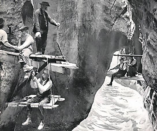 Abb. 4: Foto vom Stegbau in der Aareschlucht