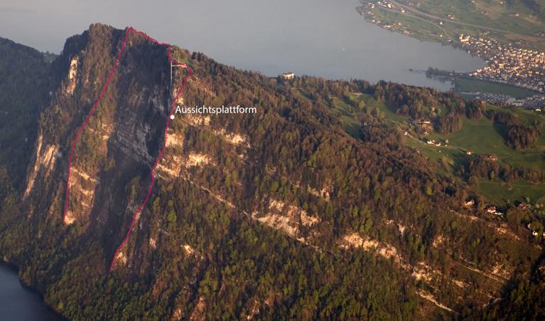 Abb.2: Muldenförmiges Bergsturz-Abrissgebiet östlich der Aussichtsplattform